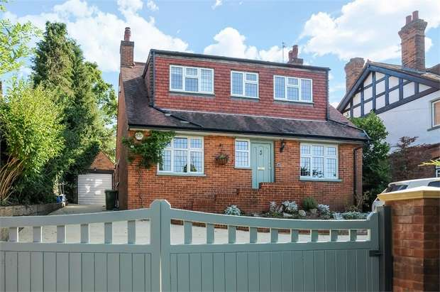 4 Bedrooms Detached House for sale in Halfpenny House, London Road, CHALFONT ST GILES, Buckinghamshire
