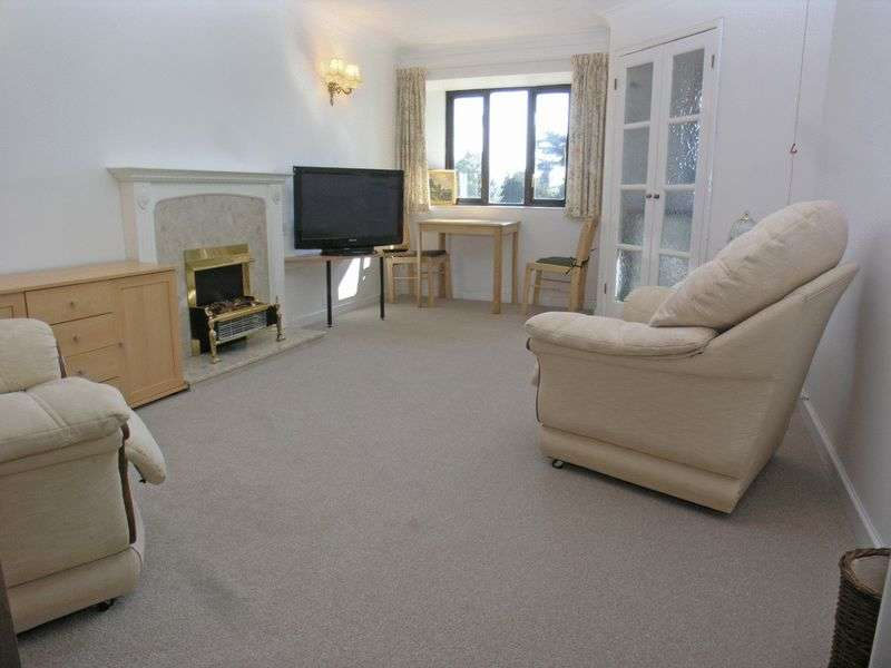 1 Bedroom Retirement Property for sale in STOURBRIDGE, Wollaston, Belfry Drive, Liddiard Court