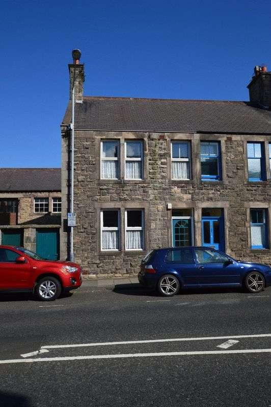 3 Bedrooms Terraced House for sale in Castlegate, Berwick-Upon-Tweed