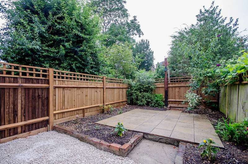 Studio Flat for sale in Tierney Road, Streatham Hill, SW2