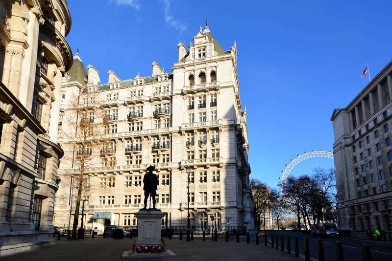 2 Bedrooms Flat for sale in Whitehall Court, Westminster, SW1A