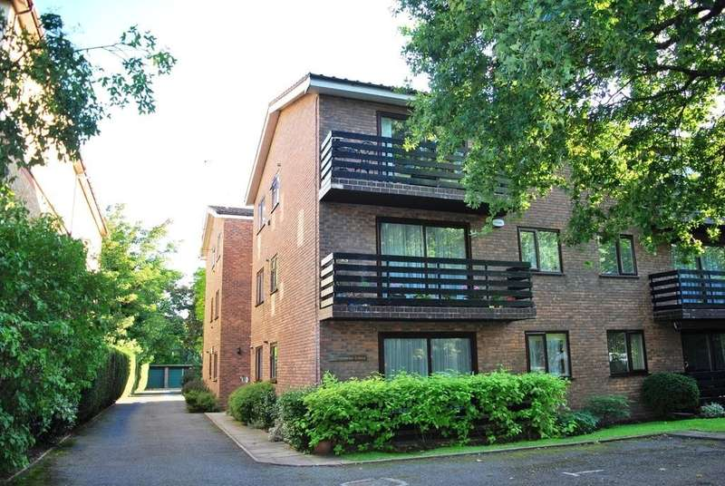 2 Bedrooms Flat for sale in Glenmore Lodge, The Avenue, Beckenham, BR3