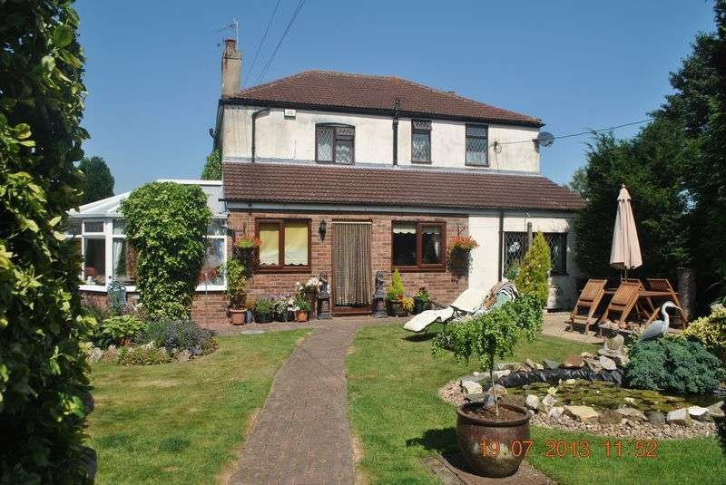4 Bedrooms Detached House for sale in High Street, Burringham,