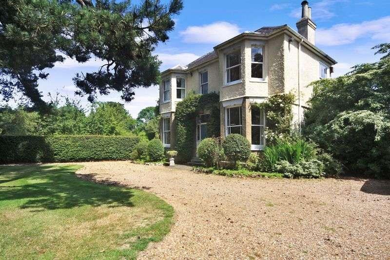 4 Bedrooms Detached House for sale in Nottingham Road, Heronsgate, Chorleywood