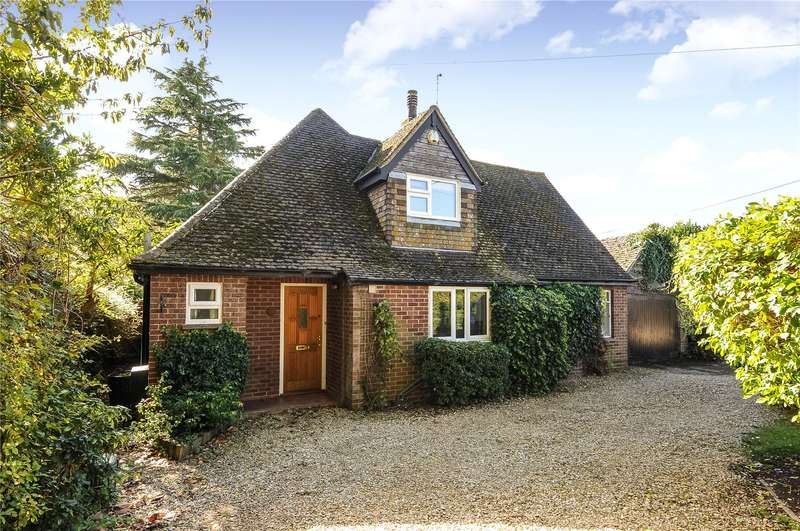 2 Bedrooms Detached Bungalow for sale in The Croft, East Hagbourne, Didcot, Oxfordshire, OX11