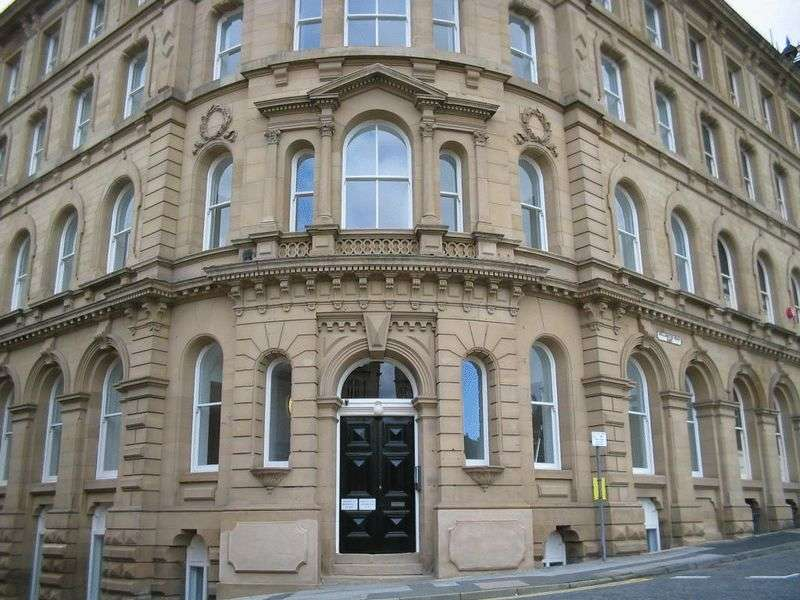 1 Bedroom Property for sale in Howgate House ,