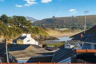 3 Bedrooms Flat for sale in Talafon, Abersoch, Gwynedd, LL53