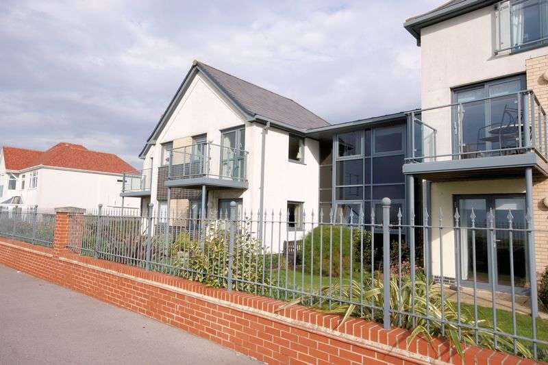 1 Bedroom Flat for sale in Anchorage Court, Marine Parade East, Lee-On-The-Solent, PO13