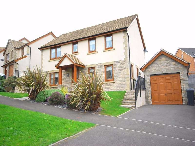 4 Bedrooms Detached House for sale in 32 Crymlyn Gardens, Skewen, Neath
