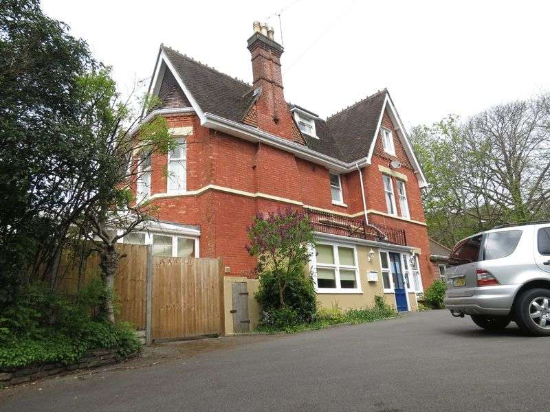 1 Bedroom Detached House for rent in Glenferness Avenue, Bournemouth
