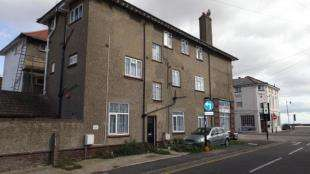 2 Bedrooms Flat for sale in Walton on the Naze, Essex