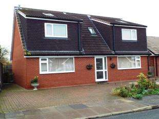 4 Bedrooms Detached House for sale in Russell Avenue, Alsager, Stoke-On-Trent, Cheshire