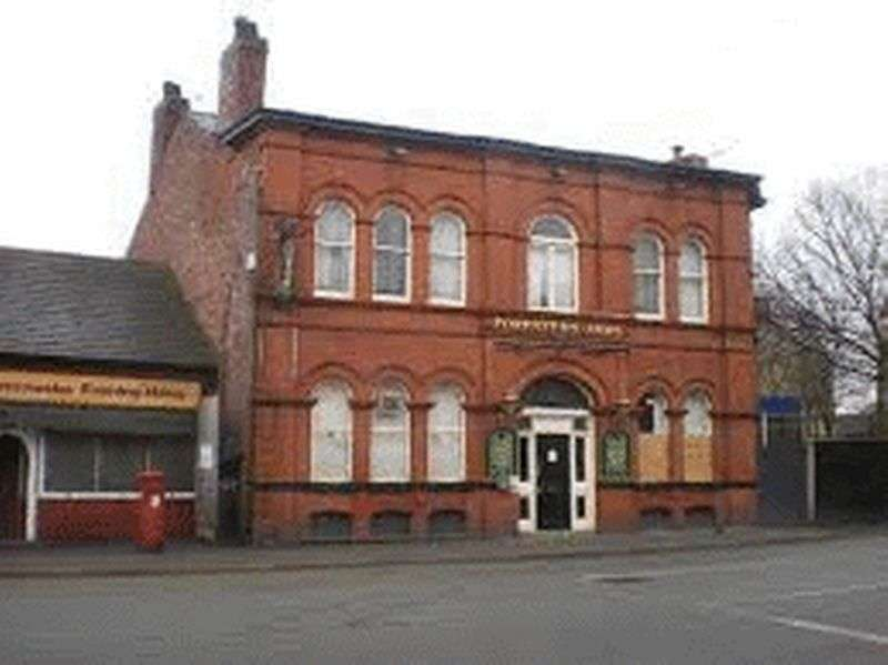 Commercial Property for sale in FORMER FORESTERS ARMS, 316 OLDHAM ROAD FAILSWORTH. AN EXCELLENT OPPORTUNITY TO AQUIRE A SPACIOUS DETACHED FORMER PUB IDEAL FOR MANY BUSINESES SUBJECT
