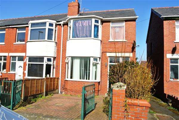 4 Bedrooms End Of Terrace House for sale in Abbotsford Road, Blackpool