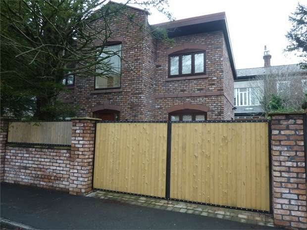 3 Bedrooms Detached House for sale in St Agnes Road, Huyton, Liverpool, Merseyside