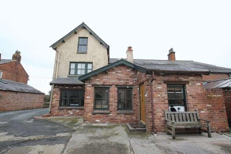4 Bedrooms Semi Detached House for sale in Ledsham Village, Ledsham, Cheshire