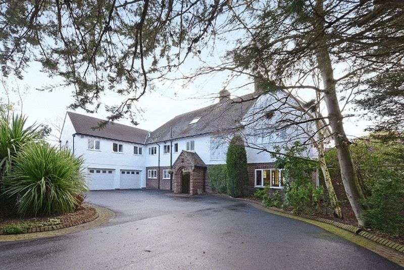 6 Bedrooms Detached House for sale in Links Hey Road, Caldy, Wirral