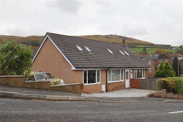 5 Bedrooms Detached House for sale in Wellmeadow Lane, Uppermill