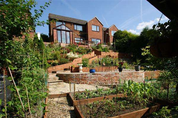 4 Bedrooms Detached House for sale in Ashlea Grove, Grotton