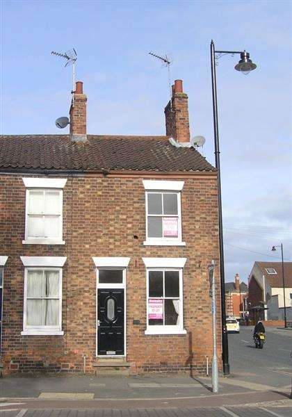 2 Bedrooms Town House for sale in Whitecross Street, Barton-upon-Humber