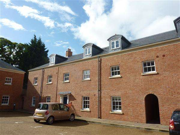 3 Bedrooms Apartment Flat for sale in The Orchard House, The Mount, Chepstow