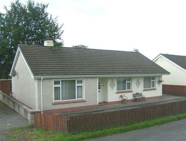3 Bedrooms Bungalow for sale in 66 Arney Road