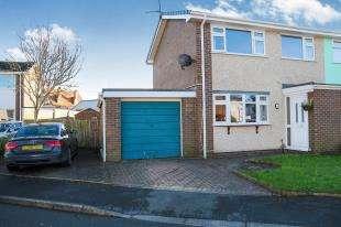 3 Bedrooms Semi Detached House for sale in Ffordd Rhiannon, Llanfairpwllgwyngyll, Sir Ynys Mon, Anglesey, LL61