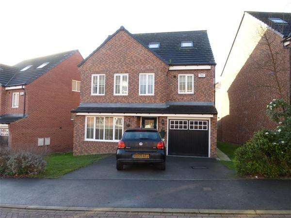 4 Bedrooms Detached House for sale in Waggon Road, New Forest Village, Leeds