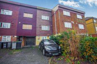 3 Bedrooms Terraced House for sale in Burnley Road, Dollis Hill, London