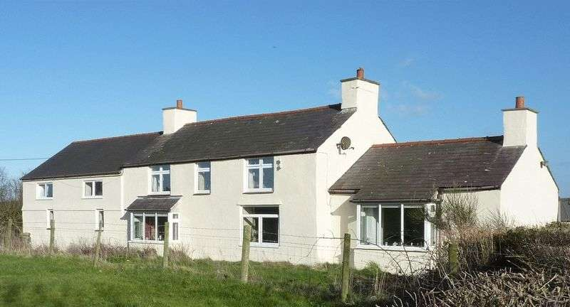 4 Bedrooms Detached House for sale in Llanfechell, Amlwch