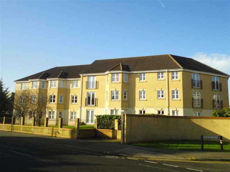 2 Bedrooms Flat for sale in Scholars Walk, Langley, Berkshire, SL3 8LY
