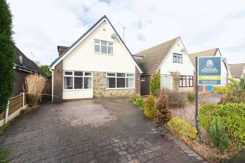 3 Bedrooms Detached House for sale in Hesketh Drive, Standish, WN6 0SF
