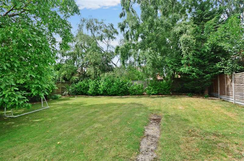 4 Bedrooms Bungalow for sale in Higham Lane, Tonbridge, Kent