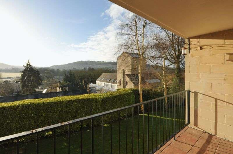 2 Bedrooms Flat for sale in London Road West, Bath