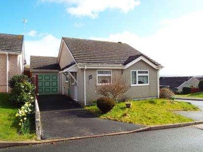 2 Bedrooms Bungalow for sale in Torpoint, Cornwall