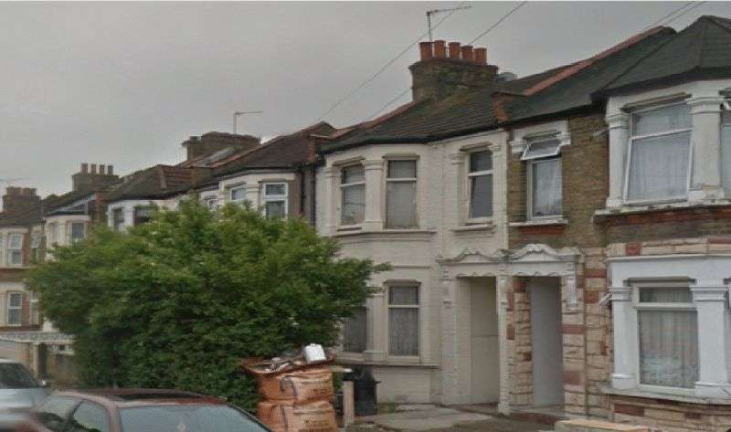 4 Bedrooms Terraced House for sale in hampton road, ilford