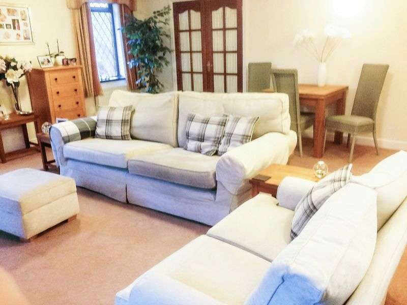2 Bedrooms Flat for sale in The Mill, Mow Cop