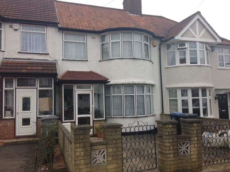 3 Bedrooms Semi Detached House for sale in Summit Avenue, London