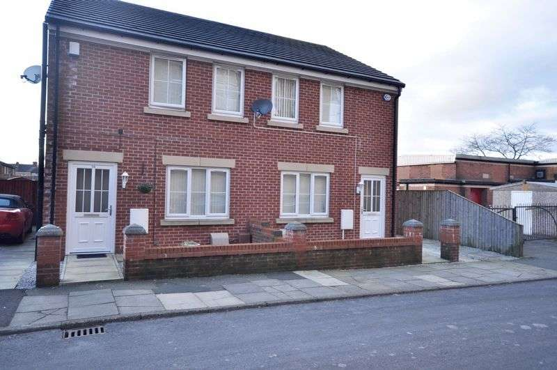 3 Bedrooms Semi Detached House for sale in 73 Aspinall Street, Heywood