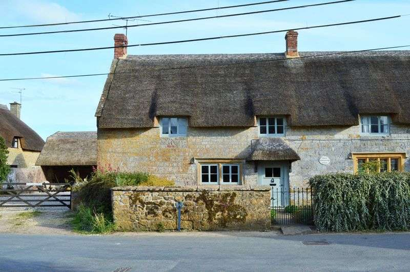 2 Bedrooms Semi Detached House for sale in Seavington St Mary, Ilminster
