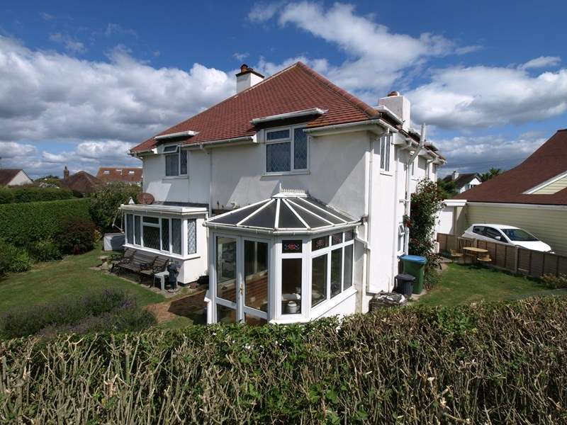 4 Bedrooms Detached House for sale in Beach Estate - Felpham