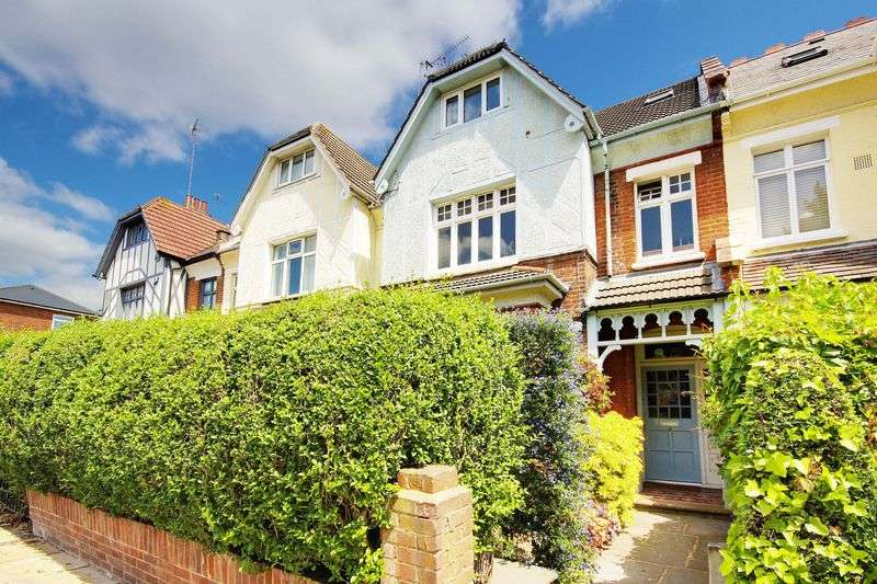 2 Bedrooms Flat for sale in Birchington Road, Crouch End, N8
