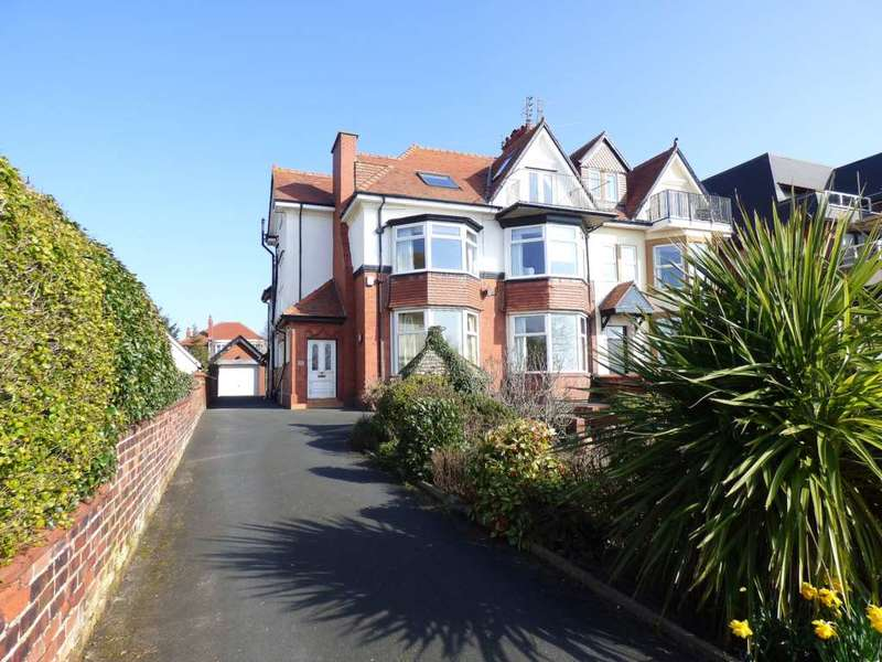 2 Bedrooms Flat for sale in Inner Promenade, Fairhaven, Lytham St. Annes