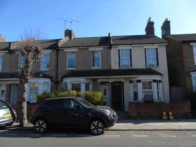 3 Bedrooms Terraced House for sale in 3 bedroom house for sale in East Croydon