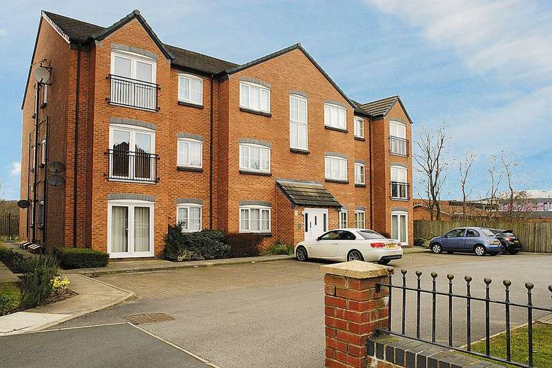 2 Bedrooms Flat for sale in 22 Baldwins Close, Royton