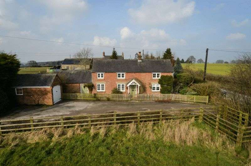 3 Bedrooms Detached House for sale in Mugginton Lane End, Ashbourne