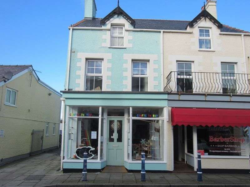 2 Bedrooms Commercial Property for sale in 7 High Street, Cemaes Bay