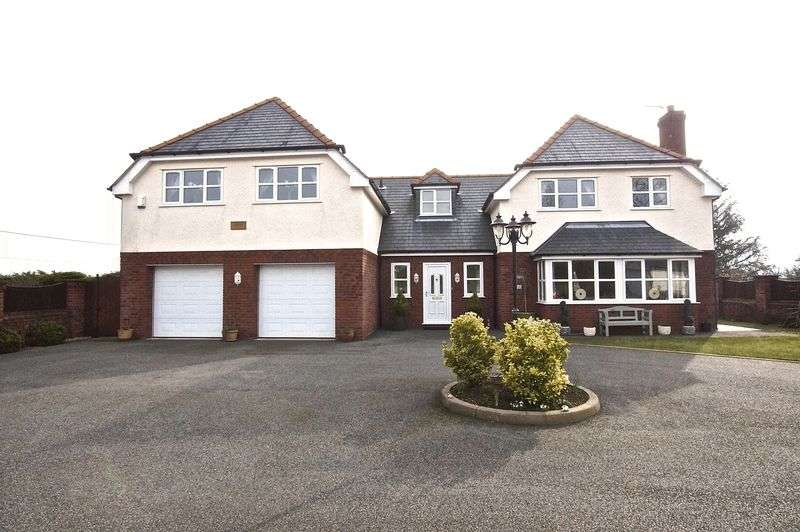 4 Bedrooms Detached House for sale in Rhyddyn Hill, Caergwrle, Wrexham