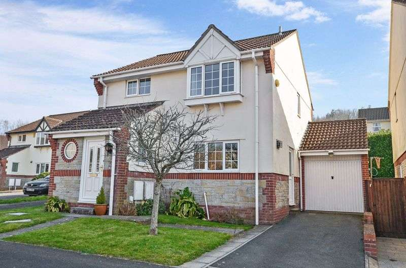 4 Bedrooms Detached House for sale in Little Close, Kingsteignton
