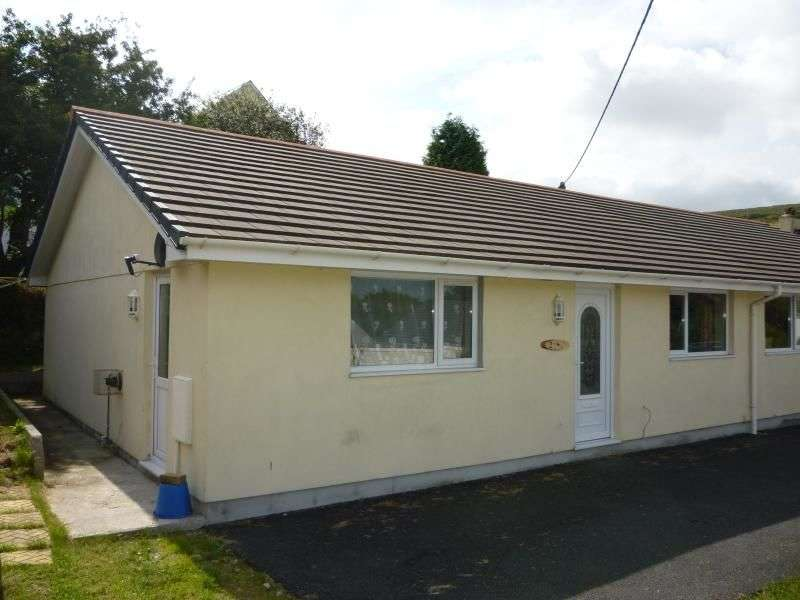 2 Bedrooms Semi Detached Bungalow for sale in Hallaze Road, Penwithick, St. Austell, PL26